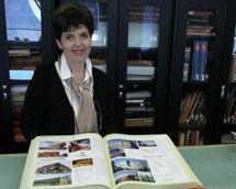 Photo of Heather Huey, Librarian